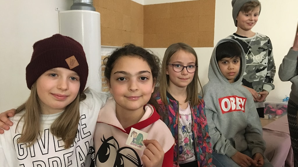 Eleverna Julia Stopkak, Jessica Younes, Sonja Bergström, Elias John och Quentin Breiting såg musikalen Hej Hyper.