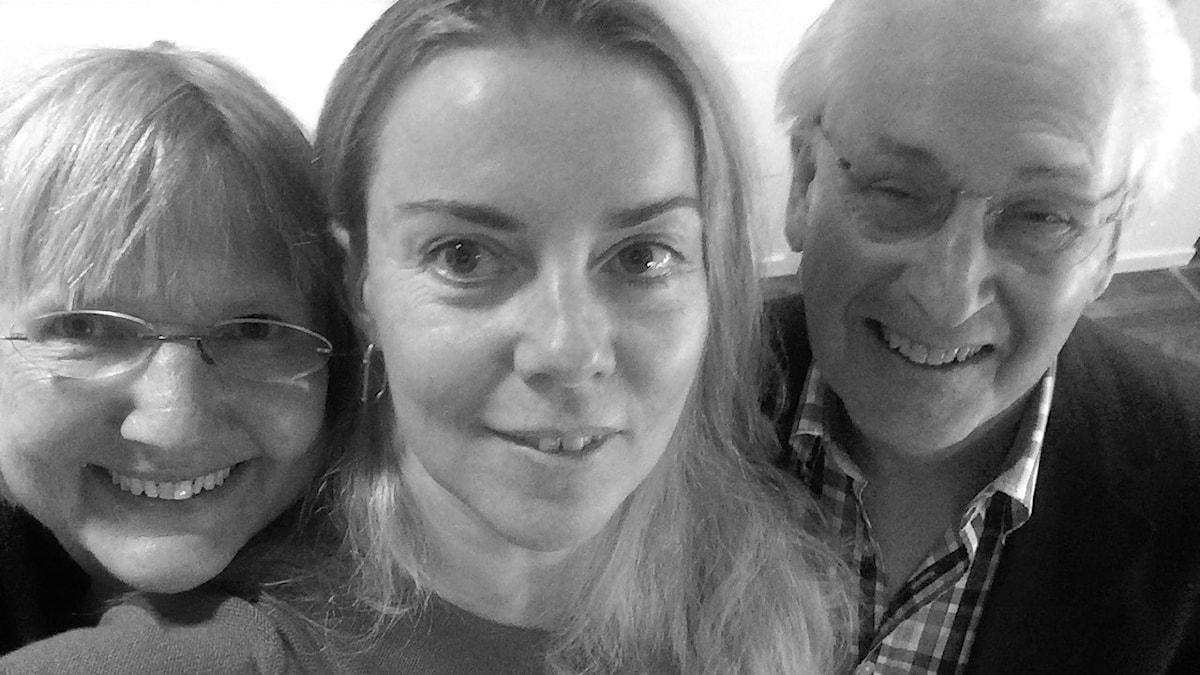 Susanne Palme, Ci Holmgren och Herman Melzer, i närbild, leende mot kameran