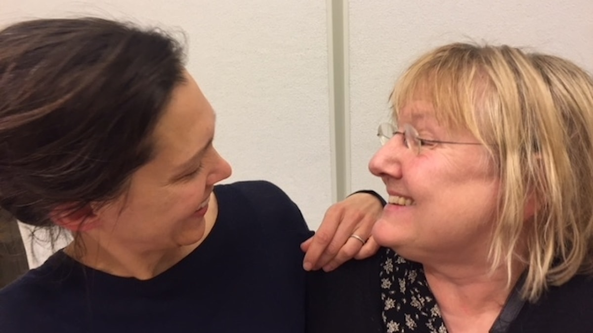 Programledare Caroline Salzinger och Ekots EU-reporter Susanne Palme