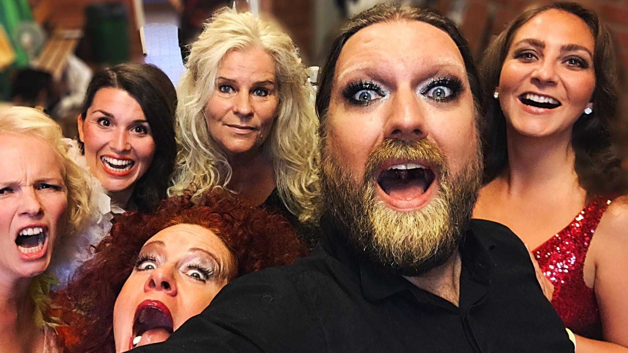 Opera sing-along på Pride 2017 med gästartister Kerstin Avemo, Matilda Paulsson, Teresia Bokor och Amelia Jakobsson. Piano: Majsan Dahling