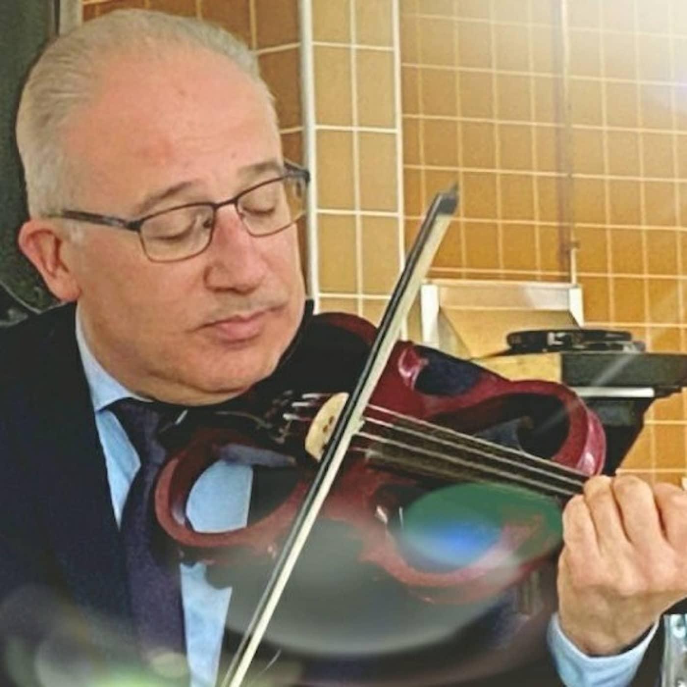 جولات عزف مع أشهر المطربين العرب