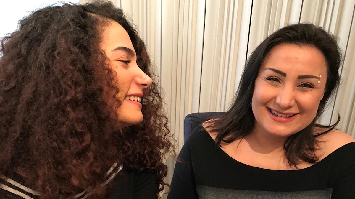 Hadia Almsleh och Rowa Alkhatib Foto Helene Almqvist