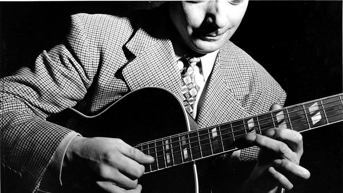 Jazzgitarristen Django Reinhardt i New York - 1947