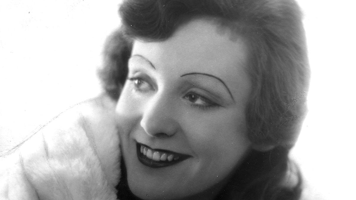 Sångerskan och skådespelerskan Zarah Leander porträtt 1930