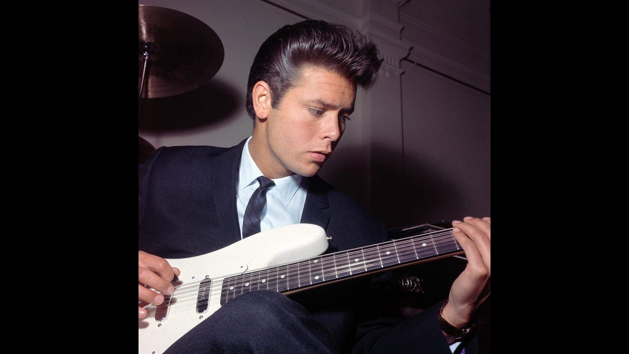 Vilka singlar sålde mest den 12 februari 1963? Svaret ges av Rune Hallberg i Kvällstoppen