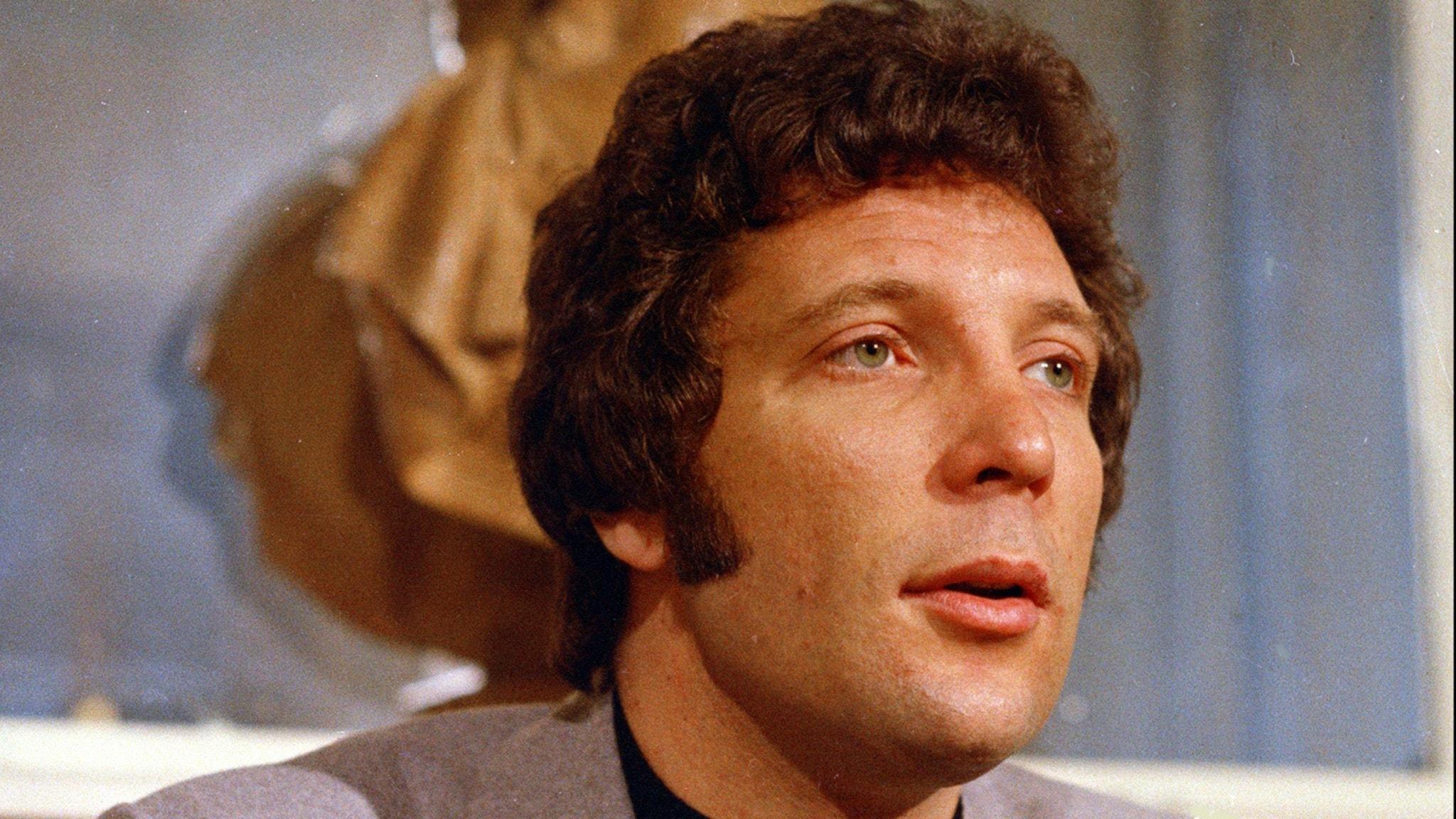 Sture Karlsson ger oss Tom Jones och hits från 1961 i Kavalkad från 26 mars 1975!
