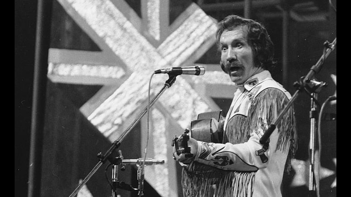 Marty Robbins, singer and composer from Nashville, Tenn., is seen performing in March, 1975 at the Seventh International Festival of Country Music at Empire Pool at Wembley in London.
