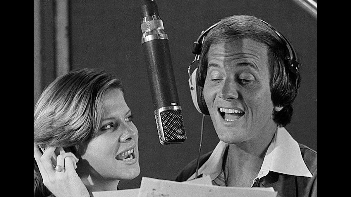 Singer Pat Boone and his daughter Debbie Boone record a single together in Los Angeles October 28, 1977.