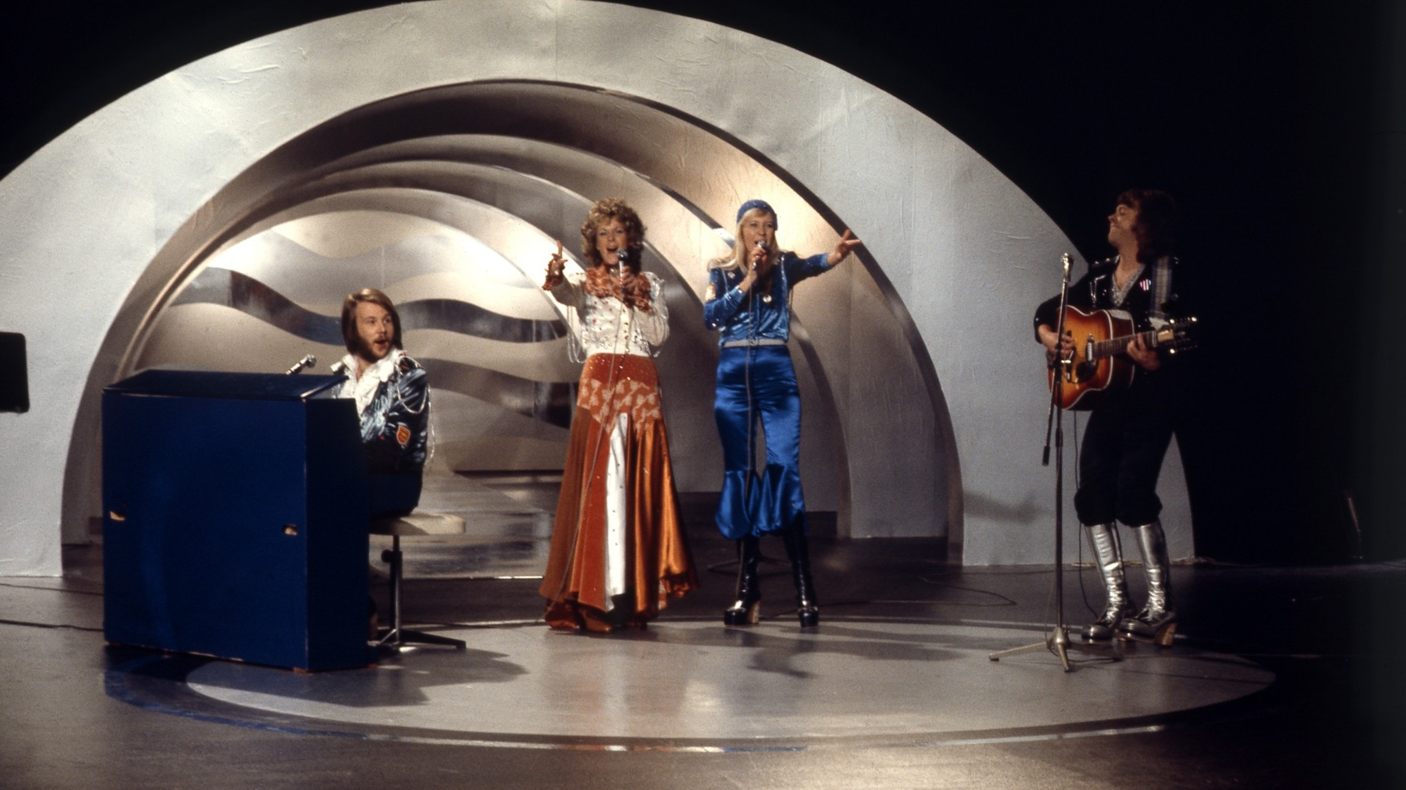 ABBA slåss mot Lars Berghagen på Svensktoppen den 24 mars 1974