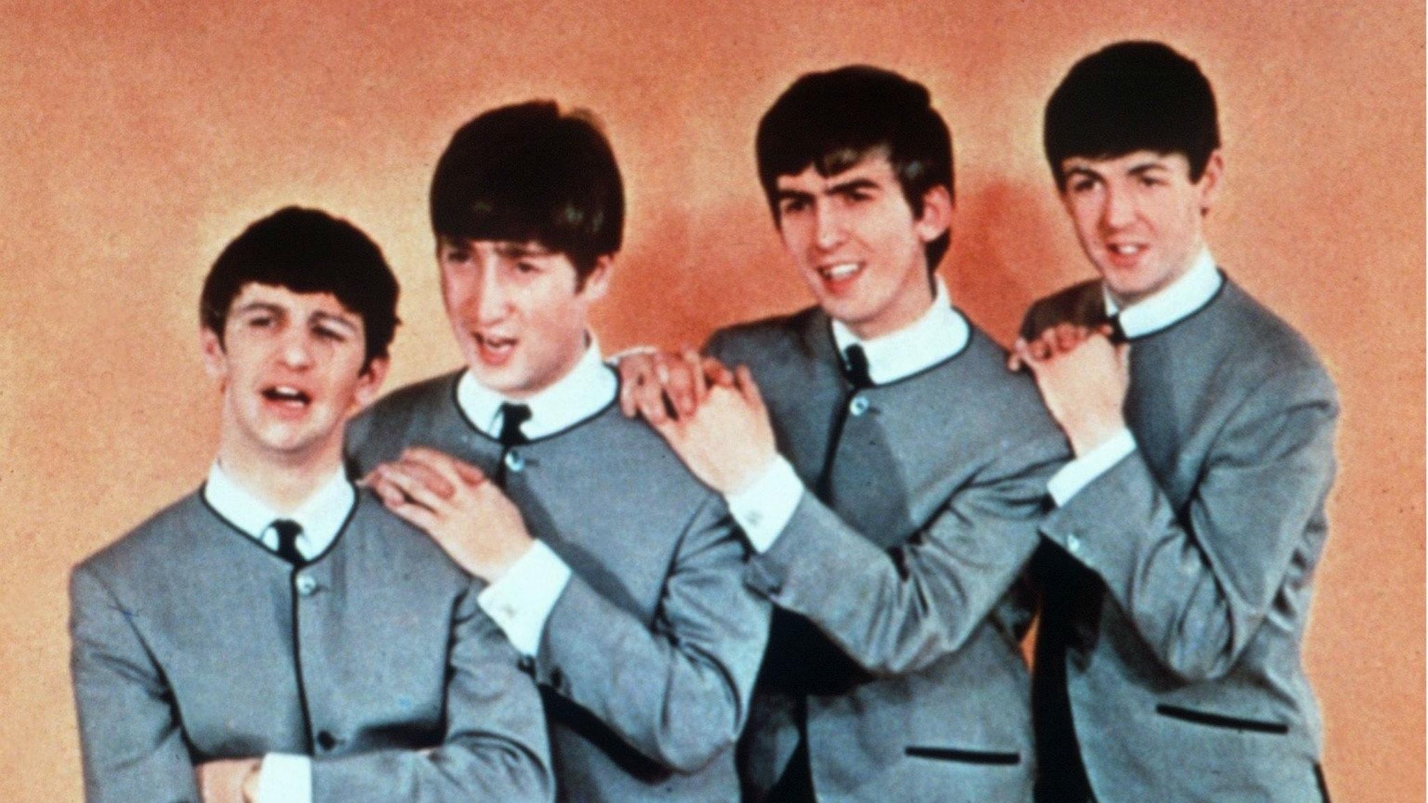 The Beatles är enda gruppen med två låtar på Kvällstoppen i november 1963