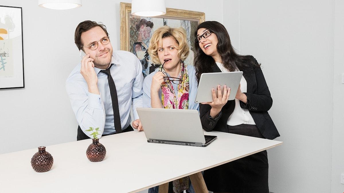 Krister Kern, Paula McManus och Shirin Golchin i Cheferna.