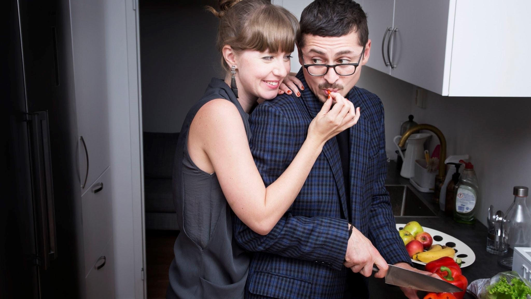 är krasch och mars dating nu radio Dating berättelser Toronto
