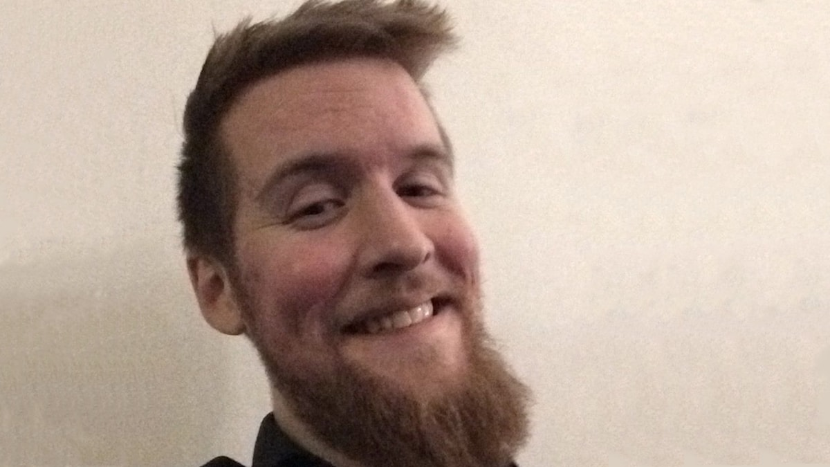 Ung man med skägg