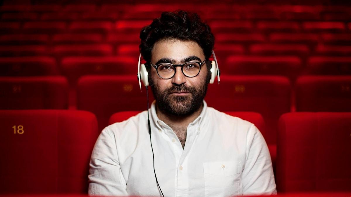 Saman Bakhtiari är programmets producent. Foto: Julia Lindemalm/SR