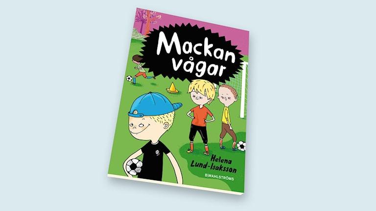 En berättelse om Mackan som älskar fotboll mest av allt.