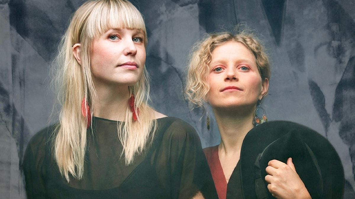 Ida & Louise.