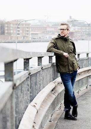 Frilansjournalist och författare Mattias hagberg.