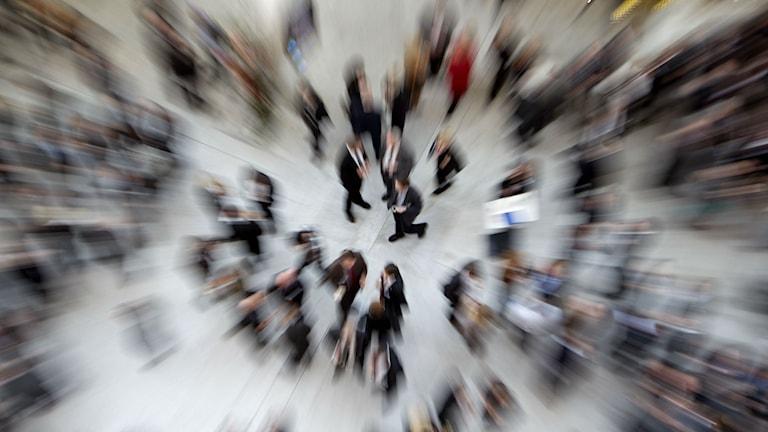 Folkmassa i rörelse