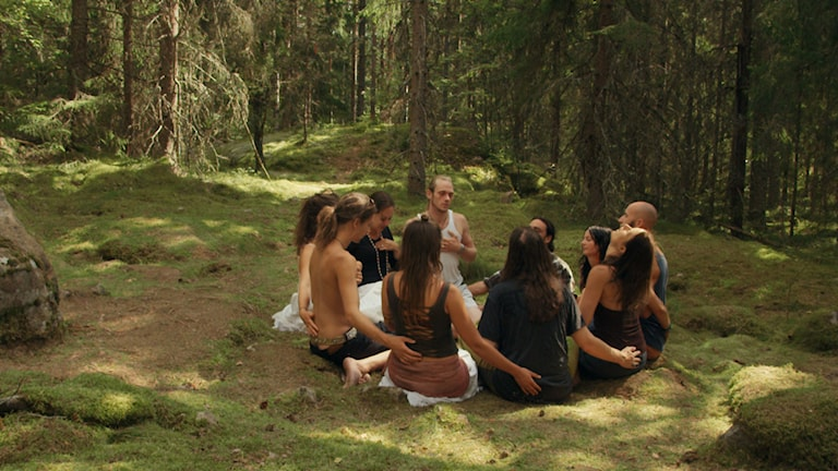 Ur filmen Swedish theory of love.