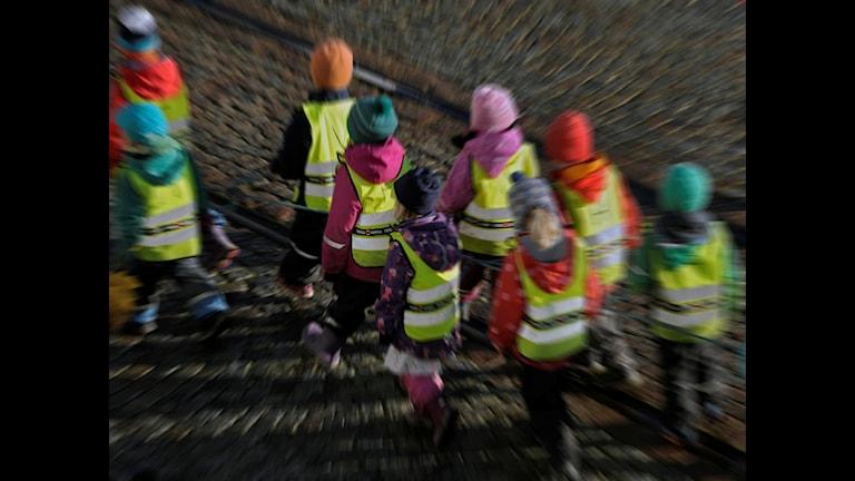 Förskolebarn på väg