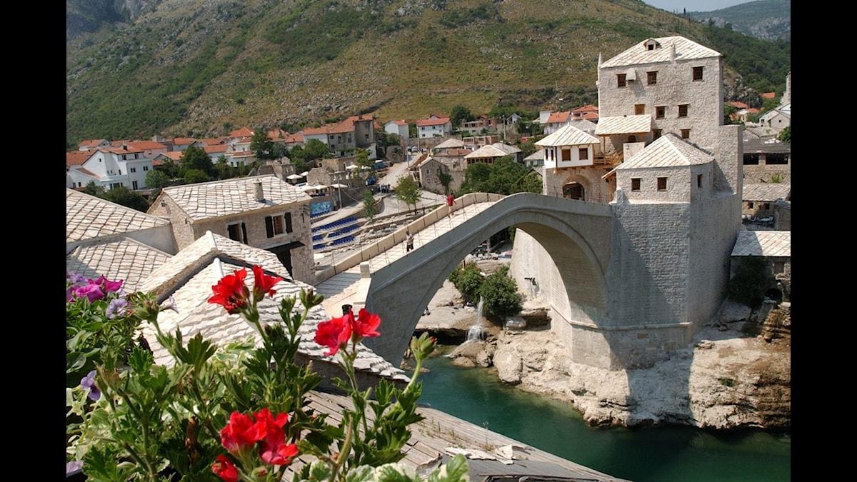 Bron i Mostar.