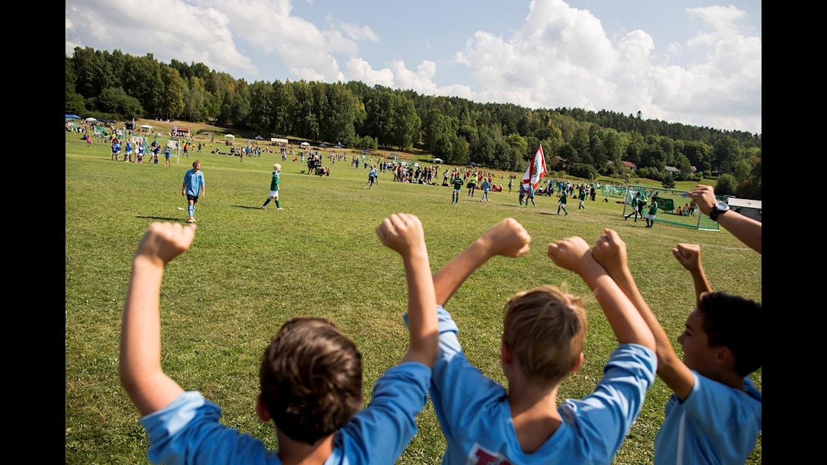 Fotboll för pojkar och flickor?