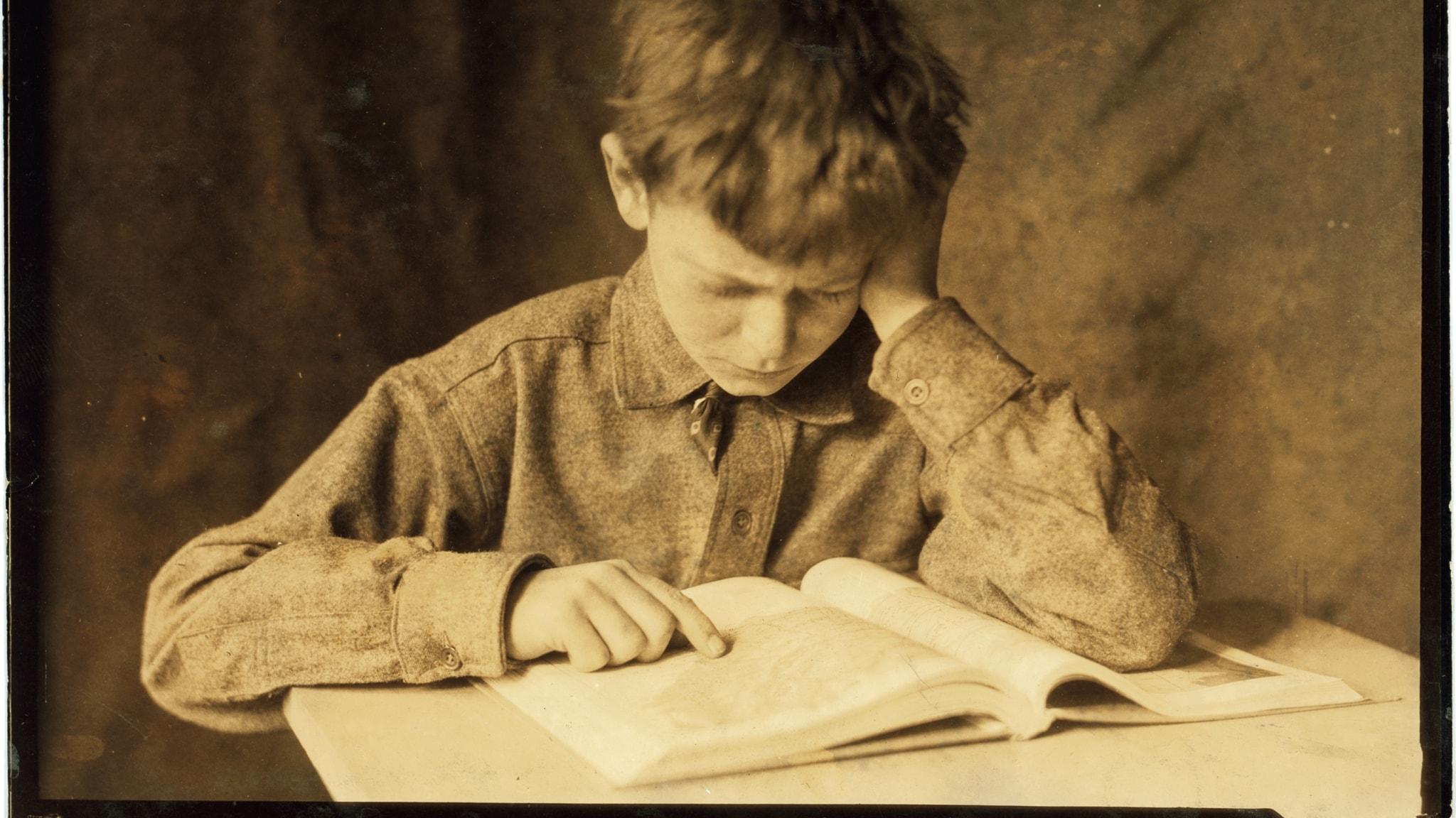 Studerande pojke av Lewis Hine.