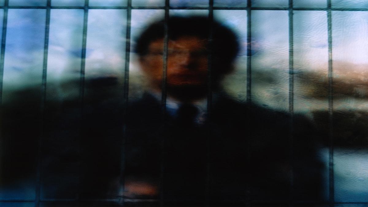 """Aase Berg ser en samtid där frågor om till exempel """"livspussel"""" gör var och en till sin egen fånge."""