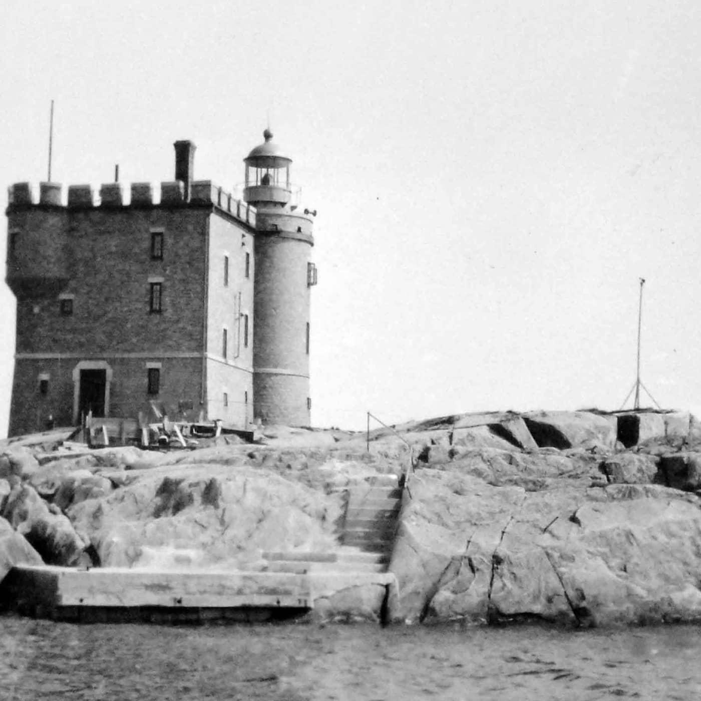 Slottet som reste sig ur havet och kläddes i eternit