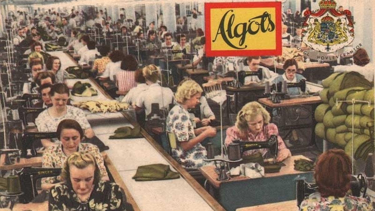 Vykort från klädfabriken Algots i Borås. Efter andra världskrigets slut fick unga tyska kvinnor arbete i klädfabrikerna.