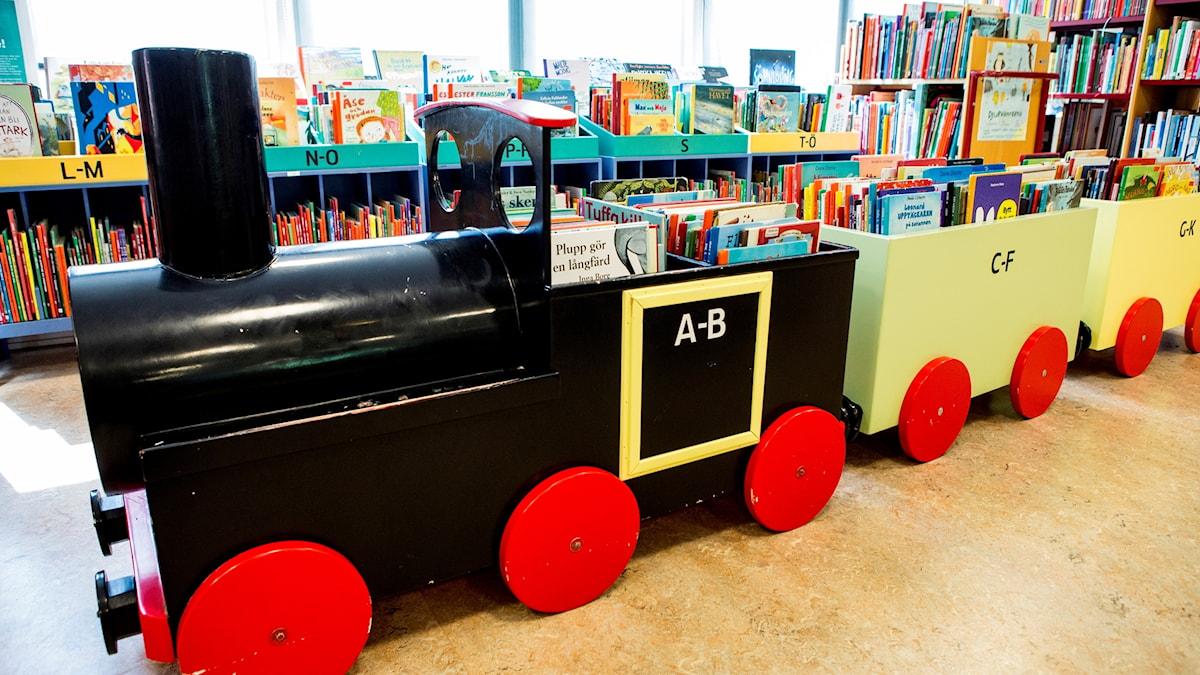 Barnavdelningen på ett bibliotek. En plats för vuxna.