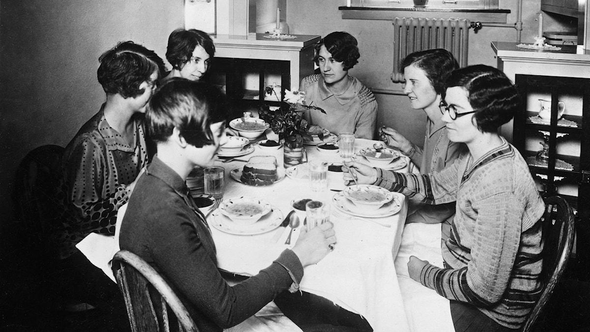 Studenter är middag i Kansas
