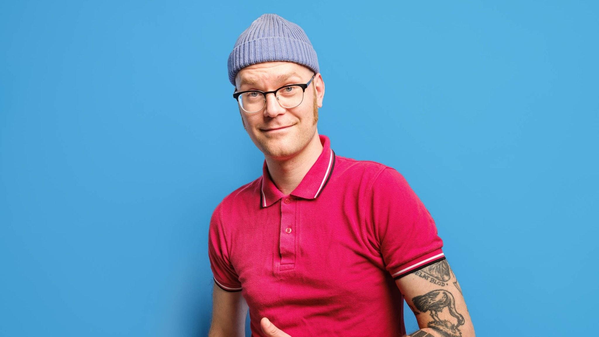 En bild av programledaren John Andersson