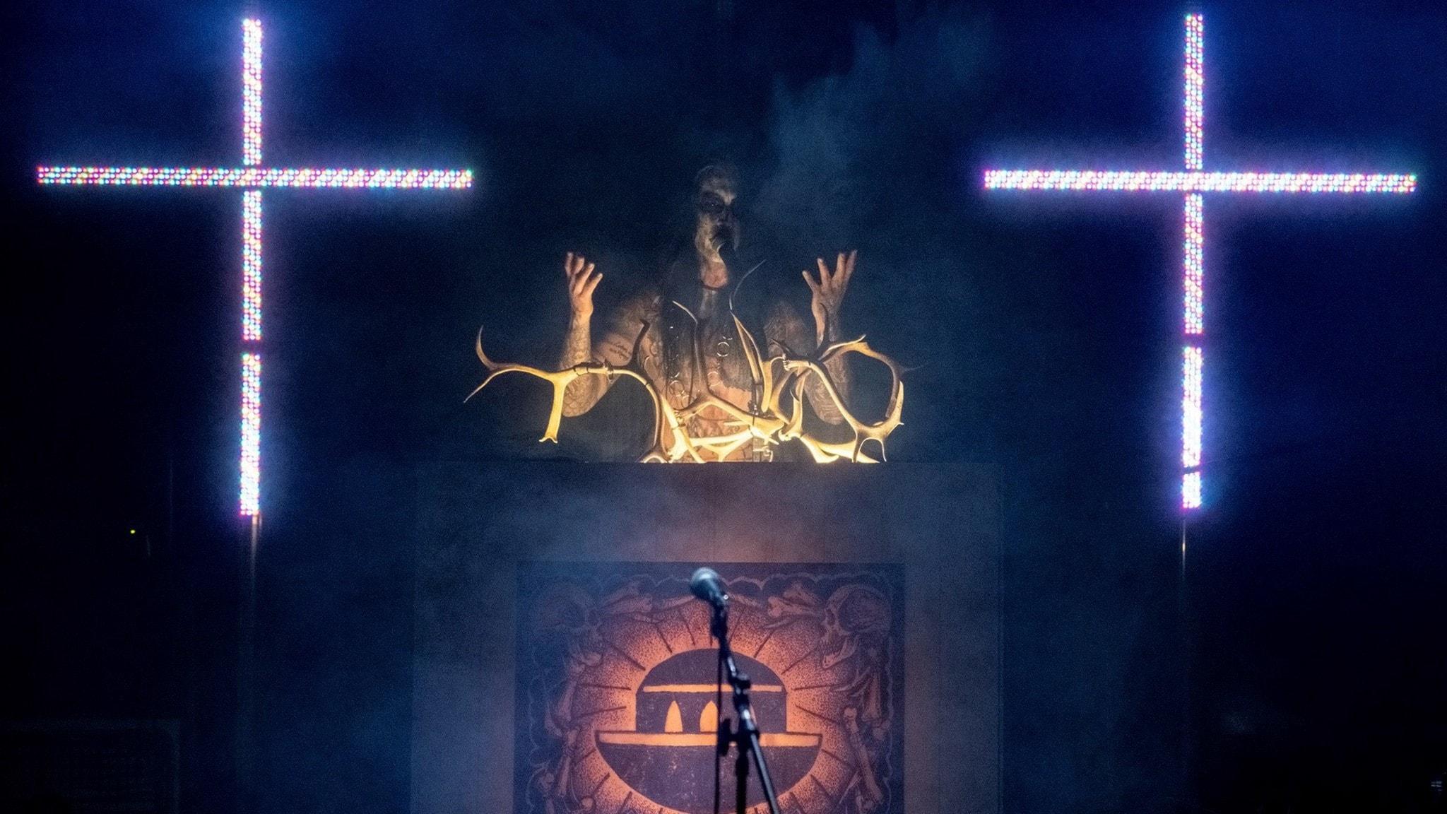Predikan från konsert med blackmetalbandet Korpelarörelsen