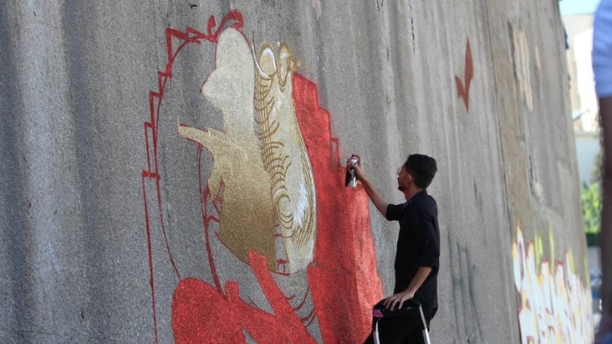 Konstnären Dheyazen al-Alawi.