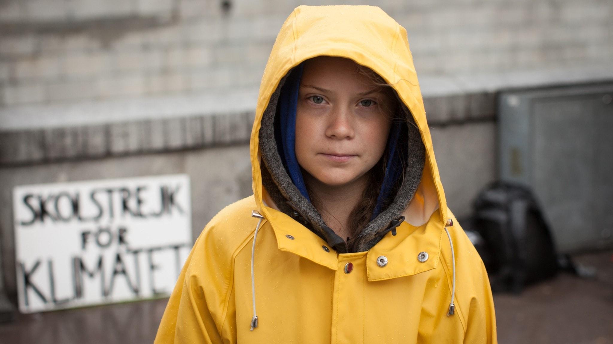Bild på Greta Thunberg med plakatet Skolstrejj för klimatet