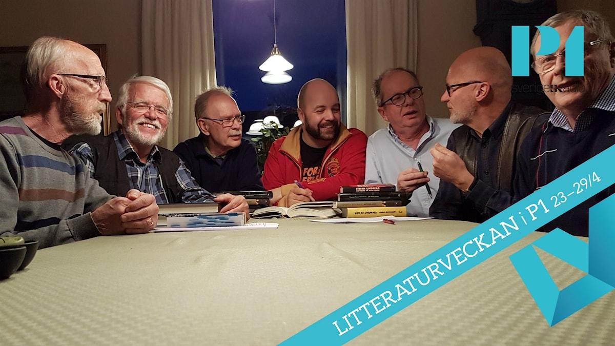 Gösta Marklund, Hans Marklund, Harald Larsen, Enar Nordvik, Per Lindbeck, Tomas Marklund, Christer Larsson i bokcirkeln Saragubbarna.