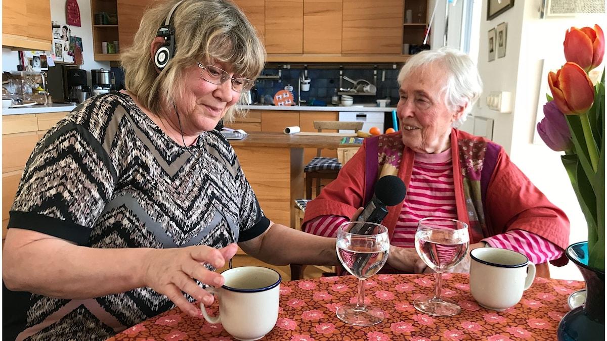 Lisa Larson och Rigmor Ohlsson. Foto: Mattias Larson.