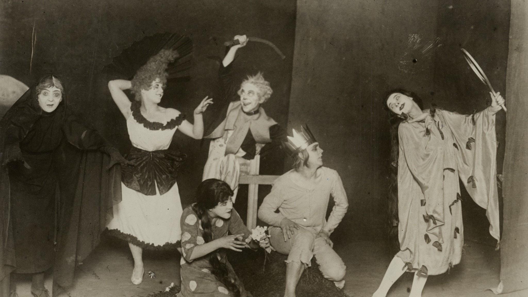 Bild på uppsättningen Dårhuset med Svenska baletten