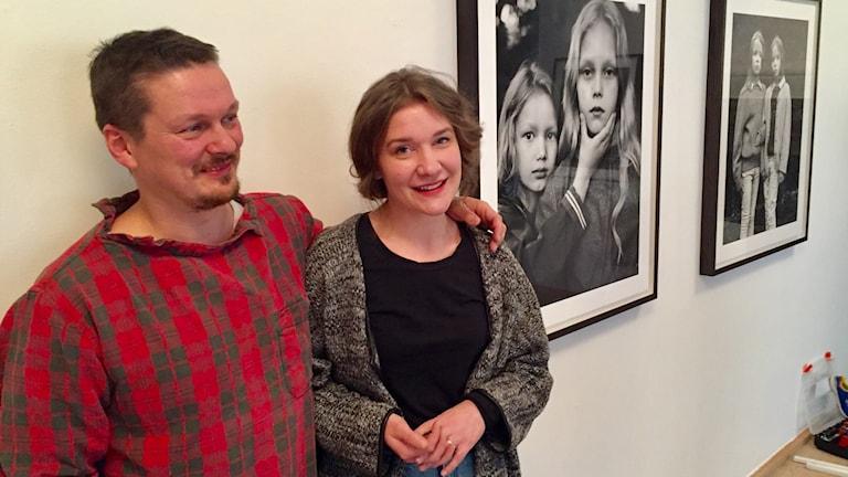 Taiteilijat Juhana Moisander ja Nelli Palomäki Suomen instituutilla.