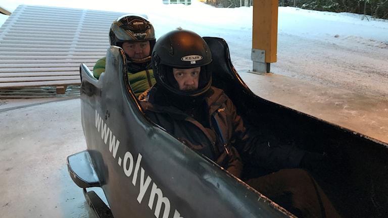 Lasse Persson och Martin Marhlo är våra levande försökskaniner i olika sporter.