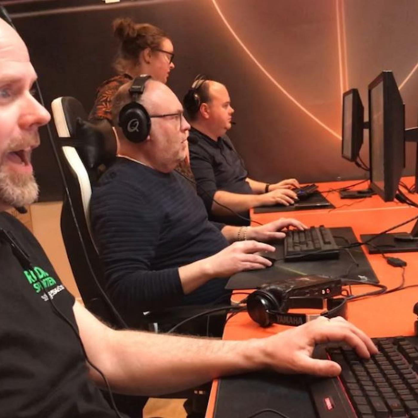 Persson och Marhlo testar E-sport