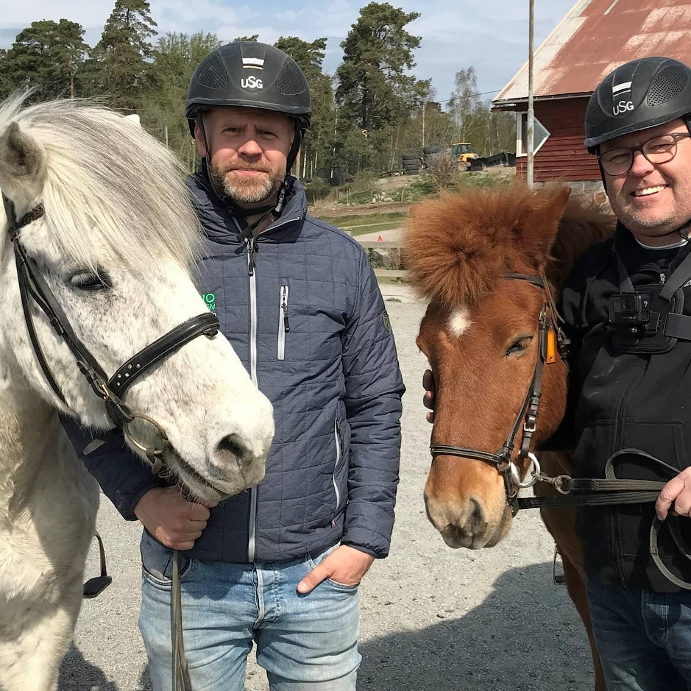 Persson och Marhlo testar islandshäst