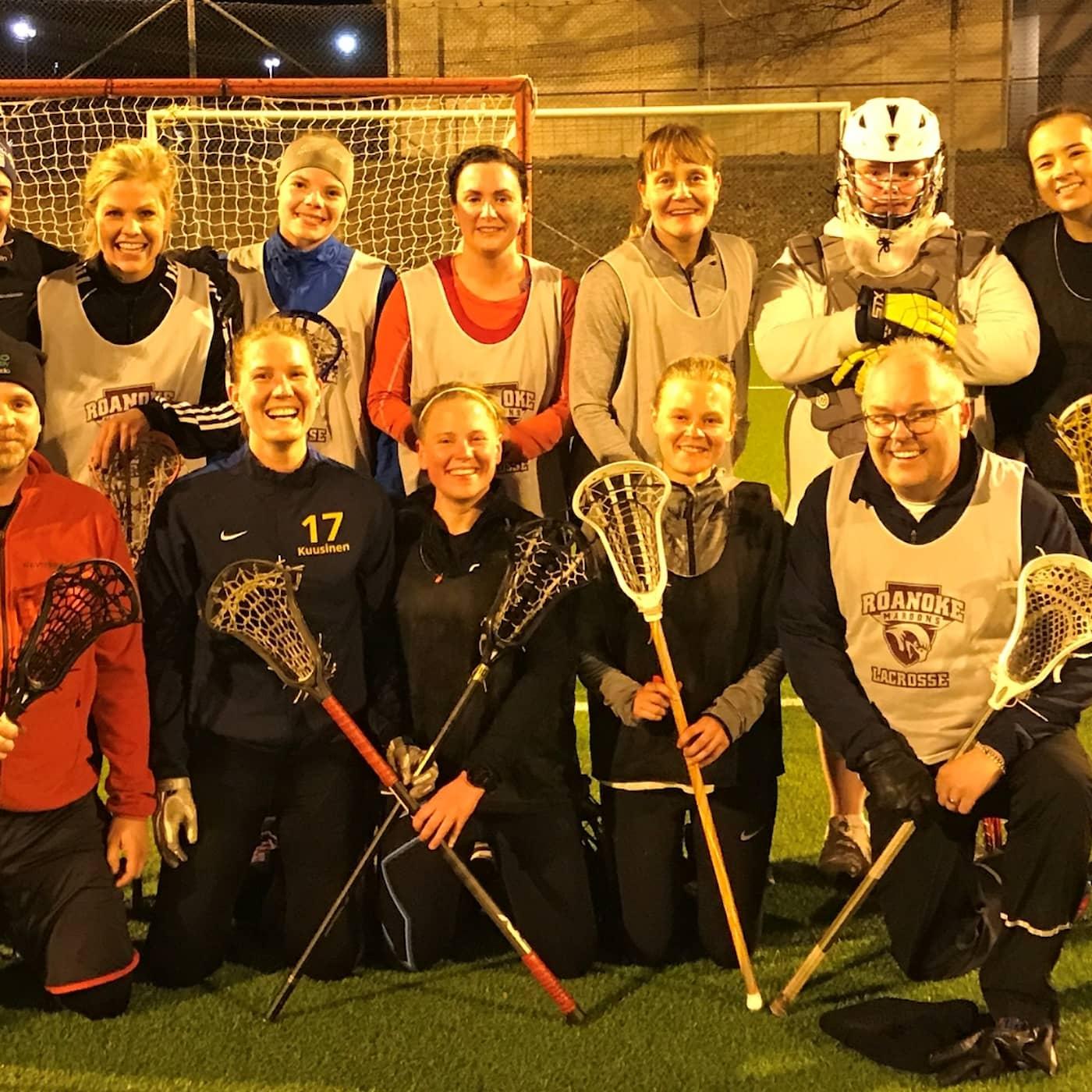 Persson och Marhlo testar lacrosse