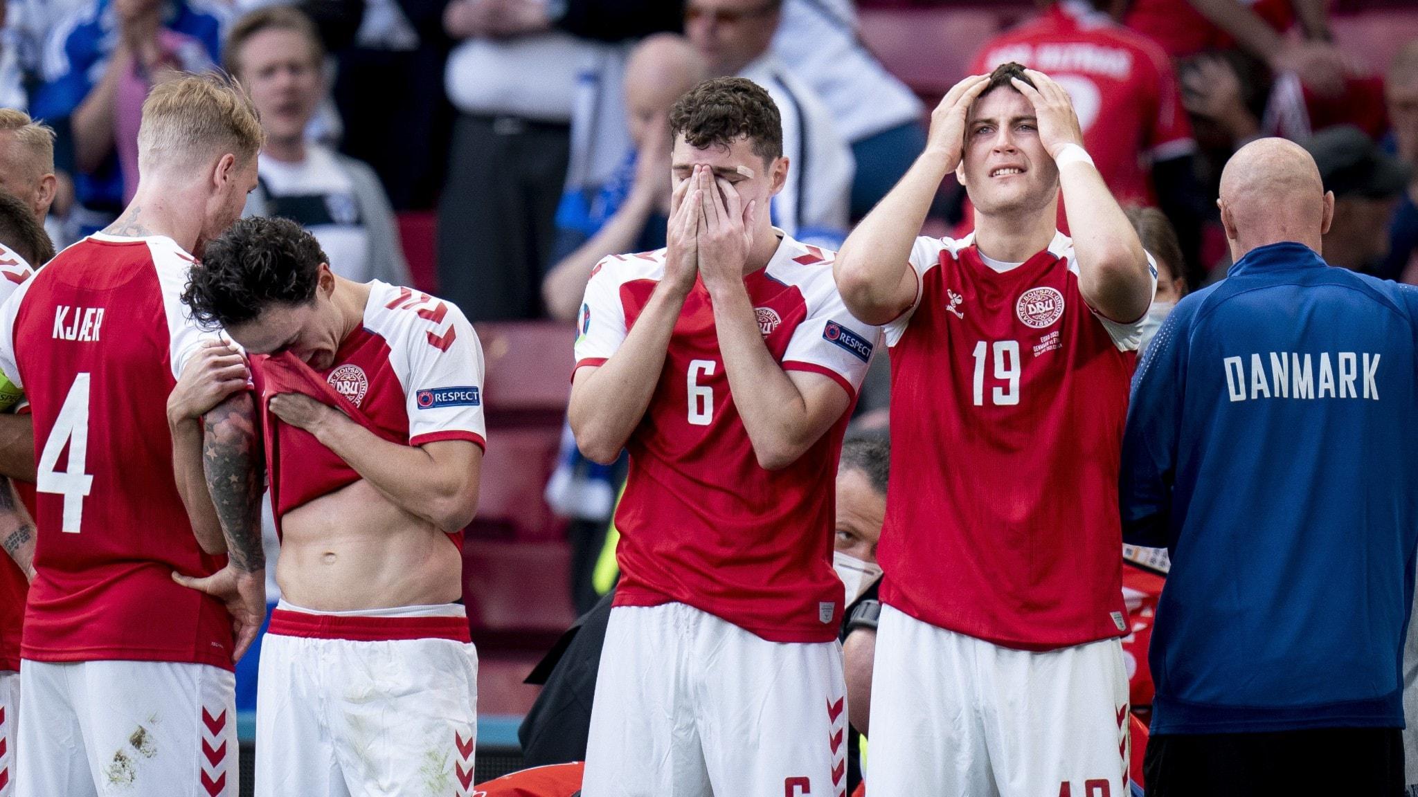 Simon Kjær, Thomas Delaney, Andreas Christensen och Jonas Wind står för Christian Eriksen under EM-landskampen mellan Danmark-Finland i Parken, Köpenhamn.
