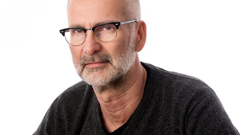 Eftermiddag är en nyhetstalkshow med högt tempo för dig i Örebro län. Allvar blandas med nöje, heta diskussioner och kultur. Programledare Arne Holmberg eller Marie Hansson.
