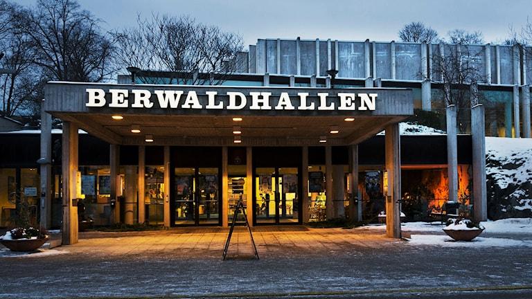 Anställda i Berwaldhallen berättar om sina arbetsuppgifter i SR:s eget konserthus.