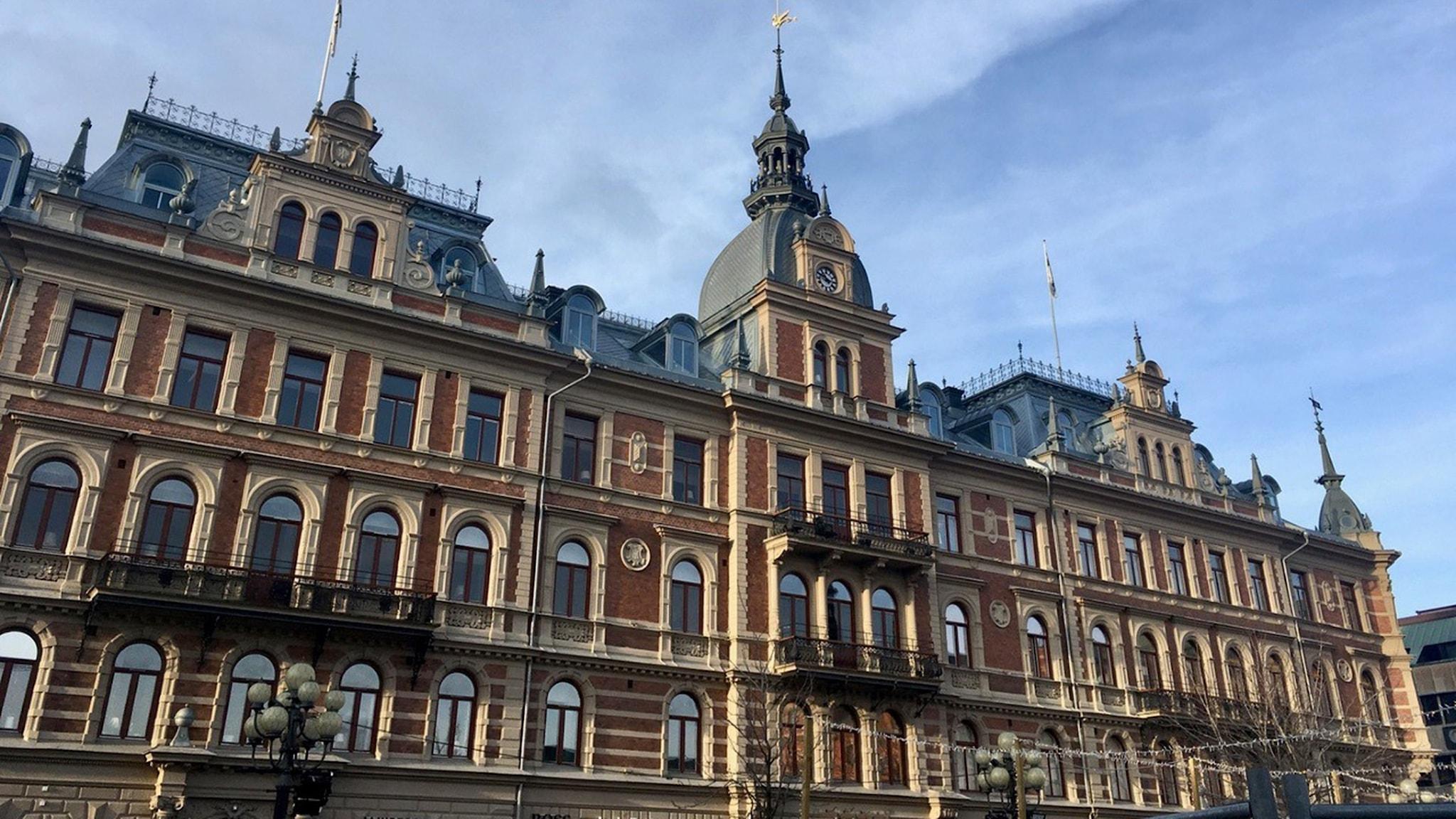 Hirschska huset i Sundsvall är ritat av Johan Laurentz och Hjalmar Kumlien.