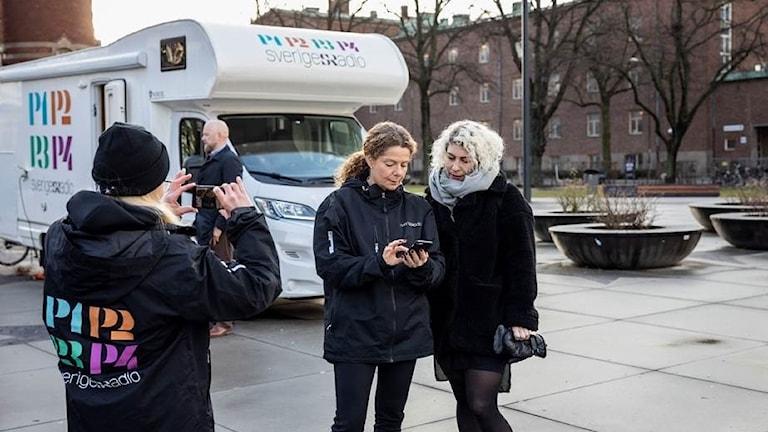 Cilla Benkö samlar svar i Malmö på premären