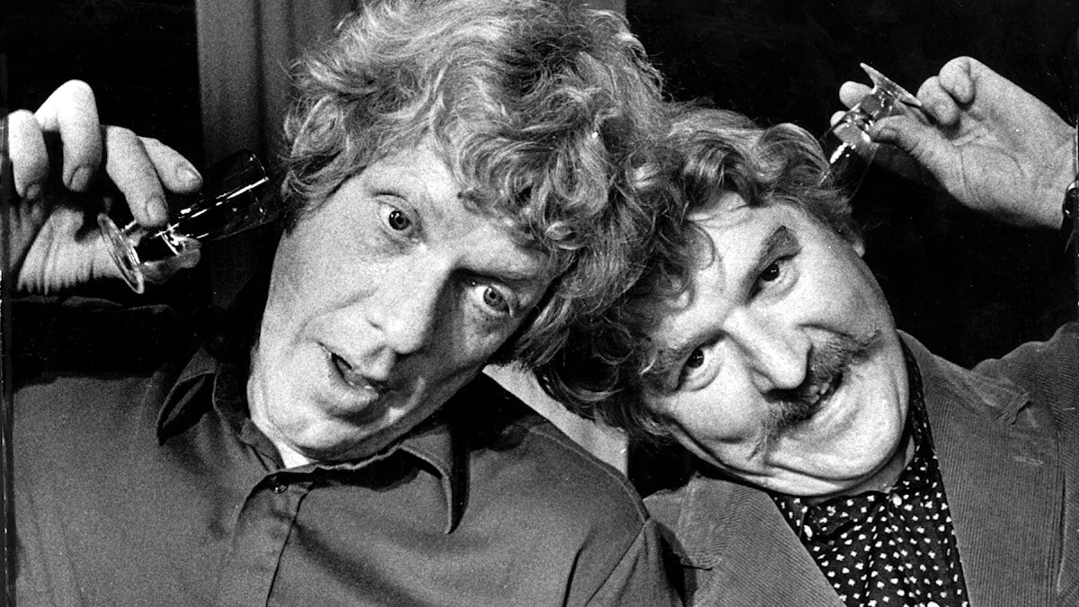 "Tage Danielsson och Hans Alfredson, i revyn ""Glaset i örat""."